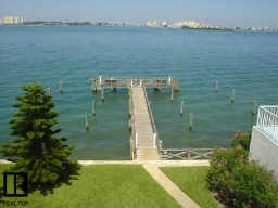 100piercecondosfishingpier